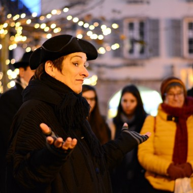 Stroll with christmas carols and tales